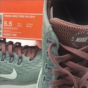 Nike Shoes - WMNS NIKE FREE RN 2018 running